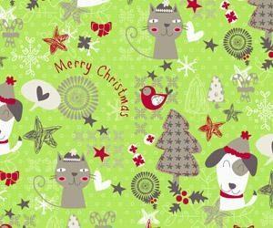 Bobina de papel de regalo de navidad con simpaticos animales navideños