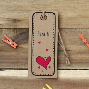 Etiquetas para colgar avana con un corazón para ti