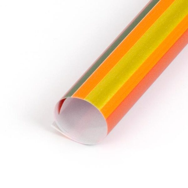 papel de regalo con rayas de colores